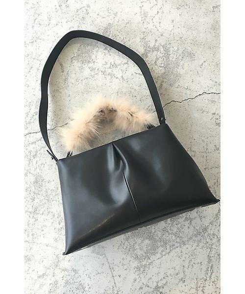 22 OCTOBRE / ヴァンドゥー・オクトーブル 服飾雑貨 | ファーハンドルストラップバッグ(ブラック)