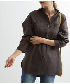 <b>今季マストで欲しいメンズライクなオーバーサイズのCPOシャツ</b></br></br>オーバーシルエットで今年らしいドルマンシャツ。着るだけでこなれたスタイリングが完成します。袖口は折った時にニュアンスが出るようロングカフス仕様に。1枚でシャツとして着るのはもちろん、羽織りとしてTシャツやタートルニットと合わせて、レイヤードを楽しんでいただくのもおすすめです。<br><br>シックなヘリンボーンのスミクロとウォーム感のある起毛素材のブラウンの2色展開。同素材でブラウス(GAH29140)、スカート(GAC29250)、パンツ(GAS29190)の展開もございます。組み合わせてセットアップとして、様々な着こなしを楽しんでいただくのも◎<br><br>※カラーにより素材が異なります<br>スミクロ:ポリエステル 98% ポリウレタン 2%<br>ブラウン:ポリエステル 78% レーヨン 22%<br><br>※画像の商品はサンプルです。お届けする商品に仕様・サイズ等の変更が生じる場合がございます。予めご了承ください。<br>※ロケ撮影画像は、光の当たり具合で色味が異なって見える場合がございます。商品の色味は、スタジオ撮影の画像をご参照ください。</br></br>手洗い・漂白、タンブル乾燥禁止