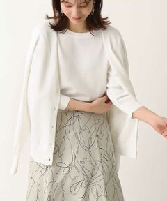 ◆これからの季節に重宝する1枚!リラクシーに羽織れてサマになるカーディガン◆<br><br>ドロップショルダーなリラクシングな着心地で、<br>Vネックの抜け感が女性らしく決まるニットカーディガン。<br>室内外の体温調整にさっと羽織れる、<br>サラっとした素材感が魅力◎<br><br>※34(XSサイズ)・42(XLサイズ)はWEB・一部限定店舗での販売です。<br>※同素材のニットプルオーバーは近日発売予定です。