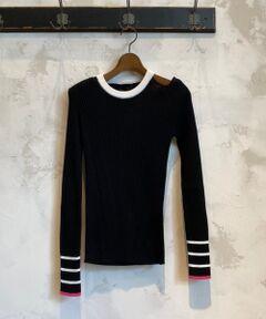 肩のデザインが女性らしい「roberto collina」のリブニット。首とお袖のラインがアクセント、ベージュにはブラックとグリーン、ブラックにはホワイトとピンクの差し色がポイントになります。細身のリブで着用すると綺麗なシルエットに。<br /><br /><br />《roberto collina / ロベルトコリーナ》<br />ロベルトコリーナは、イタリアでニットウェアコレクションを企画から生産製造まで展開する、60年以上の歴史を持つ優れたイタリアンブランドです。イタリアボローニャで小さなニット工房として設立されて以降、20世紀前半にはイタリアニット界の中心となり、ニット業界のパイオニア的存在となりました。最先端であると同時に心地良さを追求した産業遺産とも言えるニットウェアを作り続けています。<br /><br />import<br />&nbsp;<BR>