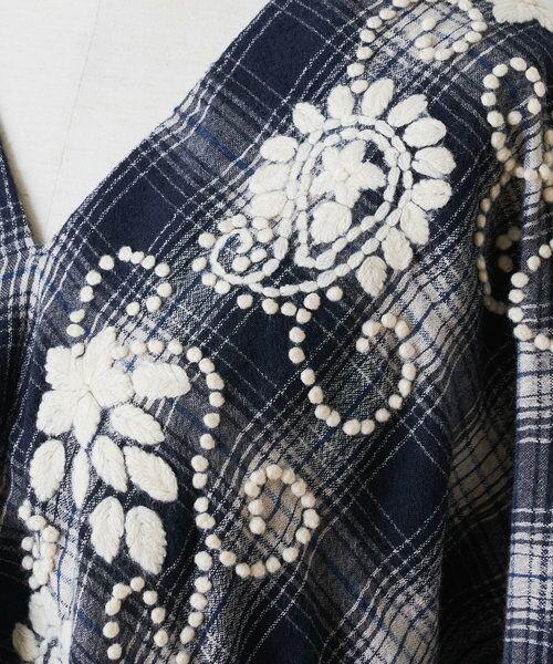 BEARDSLEY / ビアズリー シャツ・ブラウス | ウールチェックハンド刺繍ブラウス | 詳細28