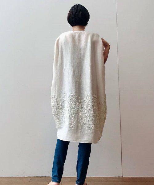 BEARDSLEY / ビアズリー ニット・セーター | 後ろ裾刺繍チュニック(ベージュ)