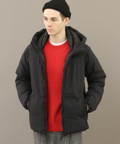 軽やかな着心地ながら、抜群の暖かさを発揮するフード付きダウンジャケットをご紹介!!