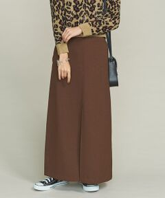 フロントに深めのスリットが入った女性らしい雰囲気のタイトマキシスカート。<br>ブラウンカラーがトレンド感のある一着です。<br>毛足の長いニットとコーディネートすれば、秋冬らしい旬の着こなしをお楽しみいただけます。<br>同型で素材違いの商品もございます。(1624-207-0306)<br><br><font color=purple>店舗へお問い合わせの際は、全国のBEAUTY & YOUTH各店舗まで下記の品名/品番をお申し付け下さい。<br>品名:BFC PE F/SLT MAX 92 品番:1624-207-0305</font>