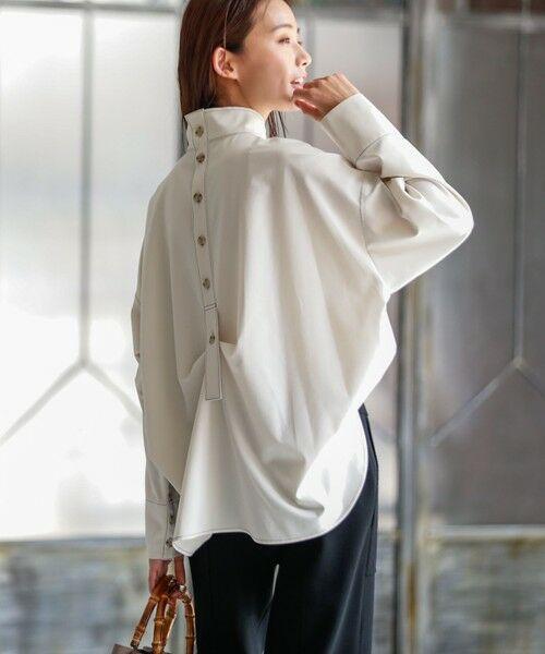 CAST: / キャスト コロン シャツ・ブラウス   バックボタンシャツ(オフホワイト)