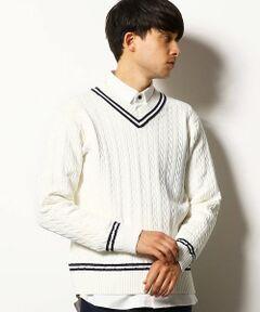 <デザイン><br>クラシックなケーブル編みのチルデンセーター。<br>衿周りと袖、裾に入った2本ラインがプレッピーな雰囲気。<br>トラッドな着こなしに欠かせないアイテムです。<br><br><素材><br>軽量でウォッシャブルのポリエステル100%の素材を使用。<br>メリットは、<br>・速乾性に優れている。<br>・ストレッチ性があり、糸に弾力性があるため洗濯後の型崩れが少ない。<br>・糸がとても軽いので、着心地も軽く、ノンストレス。