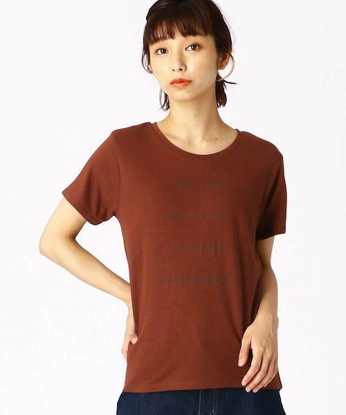 COMME CA ISM / コムサイズム Tシャツ   ロゴプリントTシャツ(レンガ)