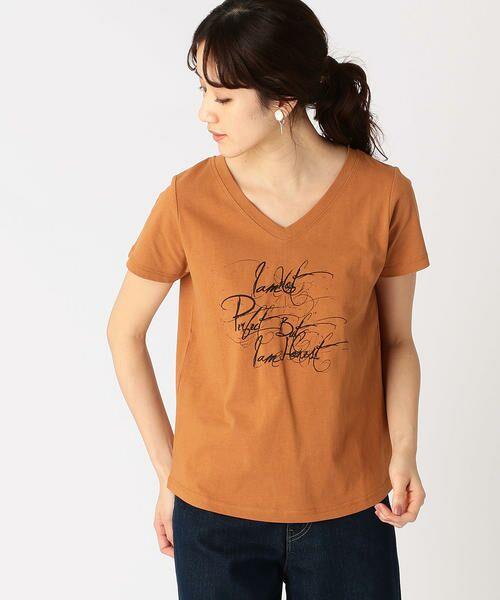 COMME CA ISM / コムサイズム Tシャツ   メッセージプリント Vネック Tシャツ(オレンジ)