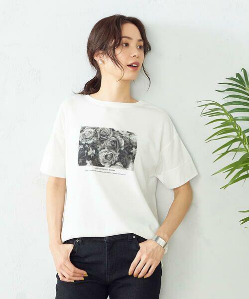 COMME CA ISM / コムサイズム Tシャツ   フォトプリント Tシャツ(ホワイト)
