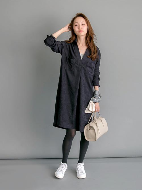 ワンピースは素材感が秋らしく暖かみがあるので、シンプルに一枚で着こなしても◎  staff:UR金沢百番街Rinto mio 166cm