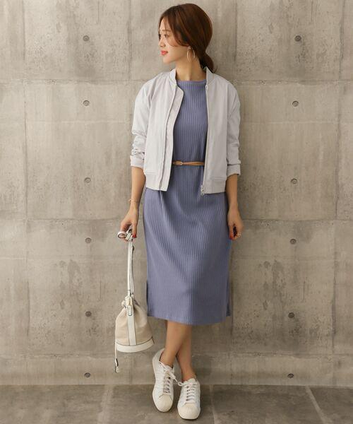 ミニマルサイズが女性らしいMA-1風リブブルゾン。 裾はリブでスッキリとしたシルエットになり、 ワンピースとのバランスも取りやすいアイテムです。  モデル:168㎝