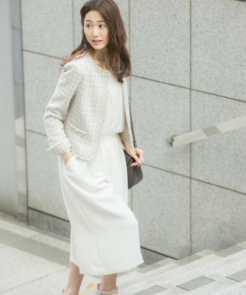 【通勤スタイル】白を基調としたお仕事コーデ。ツイードのジャケットできちんと感も抜かりなく。