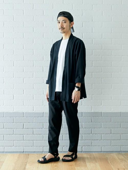 ワントーンスタイル  全体をブラックで合わせ統一感を出し、インナーにホワイトカラーを入れる事でメリハリをつけ、軽い印象にしました。   MODEL:165~169cm