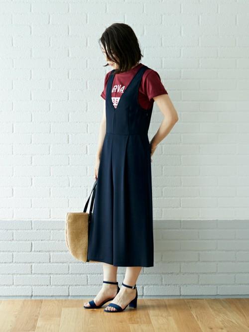 Tシャツ×オールインワンを大人向けに  Tシャツ×オールインワンスタイルを、ヒールで大人っぽく仕上げました。   MODEL:165~169cm