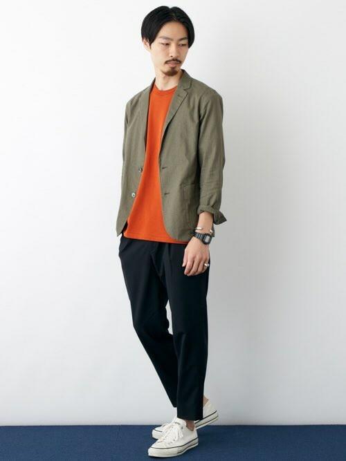 秋カラージャケット  キレイメな着こなしに、色でアクセントを加えた秋スタイル。  MODEL:175~179cm