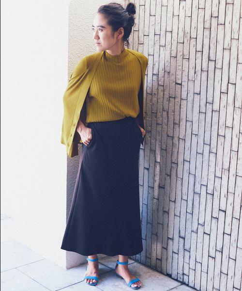 ROPÉ mademoiselle×AYA KANEKO COLLABORATION   「 動いた時のスカートの揺れニュアンスに拘った、マーメイドスカート」  スタイリストの金子綾さんとのコラボレーションが実現。 今シーズンからロペマドモアゼルが掲げる女性像 「ワル」×「女っぽさ」=「マドモアゼル女」のワードローブについてディスカッションをかさね生まれた5つのコラボレーションアイテムたちをご紹介。