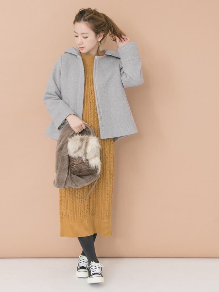 ケーブル編みが可愛いワンピース◎ ファー小物を取り入れて季節感をさらにプラスしました☺