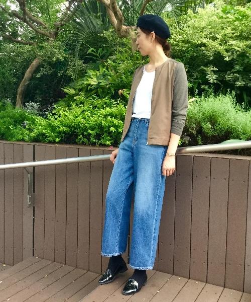 大人気!!ブルゾンスタイルのカーディガンが入荷しました。 お盆が終わっても暑いですが、そろそろ秋物も気になりますよね?? 去年大人気だったアイテムが早速入荷しましたので、ご紹介します。  Tシャツとデニムのシンプルなスタイルに、雰囲気のある羽織を合わるだけで、ぐっとスタイルアップ! スウェード風素材やベレー帽など、秋らしいアイテムを加えて先取りコーディネートを楽しんでみては??