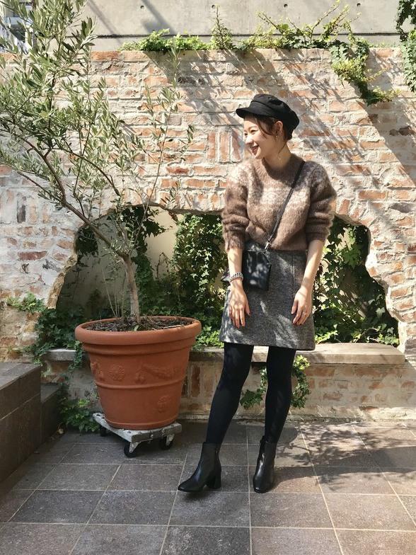 やわらかなモヘアニットが女性らしいニットスタイル☺ ツイードスカートを合わせて冬のコーデを楽しみました♪