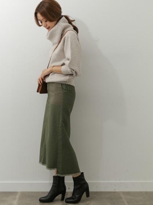 デザインよし機能よしの万能ニット◎ ベイカーロングスカートと合わせて大人カジュアルに  モデル:168㎝