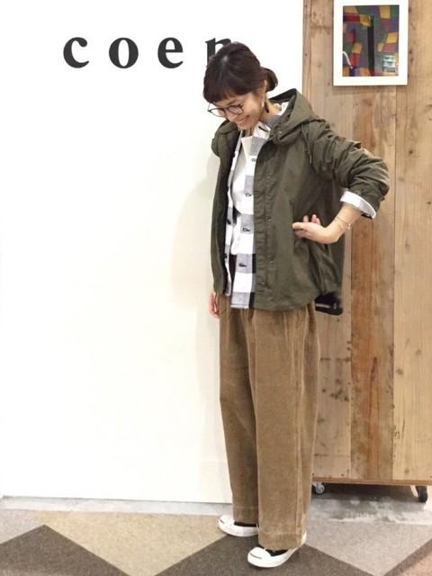 新作のアウターでコーディネートしました。 アウターのライナーは取り外して着用しております。 パンツはLサイズでハイウエストで履いております。   モデル身長:160~164cm