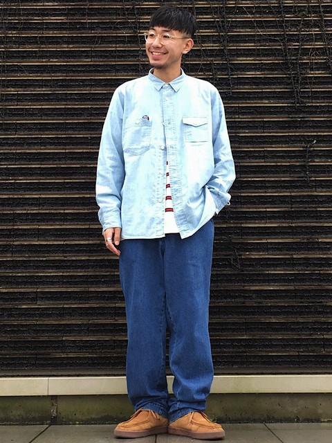 90年代HIPHOPのMVに出て来そうな、 そんなイメージのスタイリングです。 着用のシャツはガチャポケやステッチワーク、 空環仕様などこだわりのディテールが満載です。  モデル身長:170~174cm