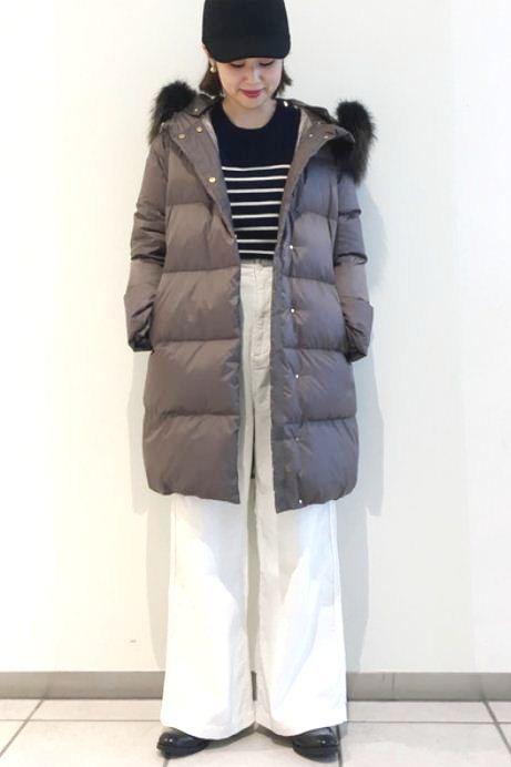 軽く暖かなダウンコートは今の時期必須アイテム♪ 着ぶくれしない程よい厚みがおすすめポイントです。