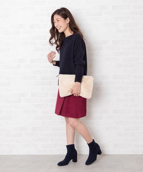 ブーツの季節はスカートが気分♪ 起毛感のあるボックススカートは膝より少し短めでストレッチブーツとの着丈バランスもBEST! ボルドーを選んでコーディネートに鮮度をプラス。  STAFF 160cm