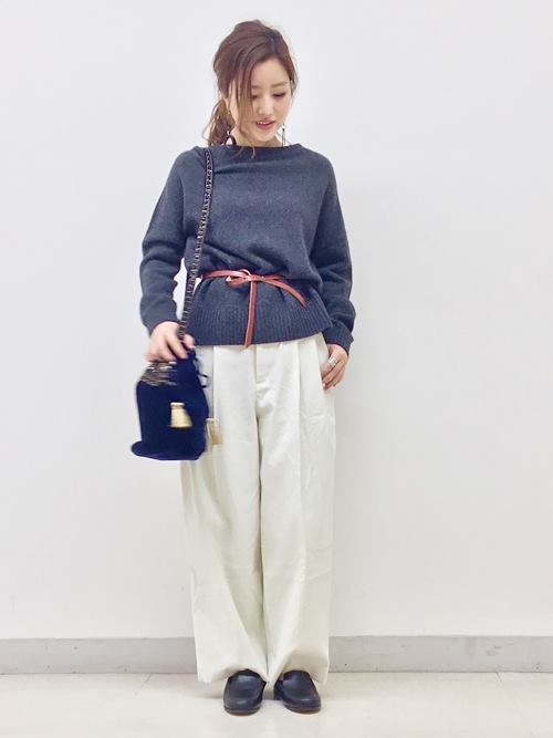 ショルダーバッグを使ったレディースコーデ | SHIPS for women