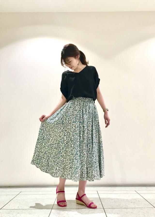 ロング・マキシ丈スカートを使ったレディースコーデ | ROPE'