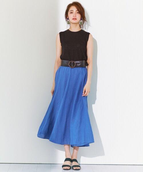 ふんわりとしたシルエットが夏らしい。雰囲気のあるロングスカート 三角マチで切り替えにより、ふんわりとしたシルエットに仕上がっています。