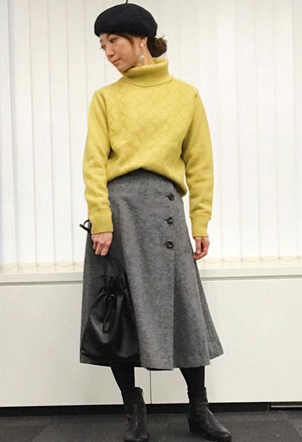 ボタンが特徴のツイードスカートはトップスを少しだけインにすると綺麗に着こなせます。   スタッフ身長:160cm