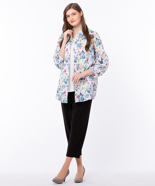 ◆大きいサイズ/LL~4L◆ 今年の新柄[ヨークシャー・ローズ]で美しい色感の、大人っぽい一着に仕上げました。 model:168cm