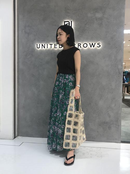 b045792867459 UNITED ARROWSスタッフのロング・マキシ丈スカートを使ったレディースファッションコーディネート