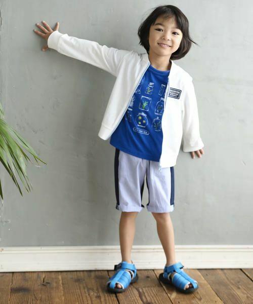 男の子が大好きな昆虫をコレクションしたプリントTシャツ。 繊細なタッチが品のあるカジュアルスタイルに仕上がるポイントです。