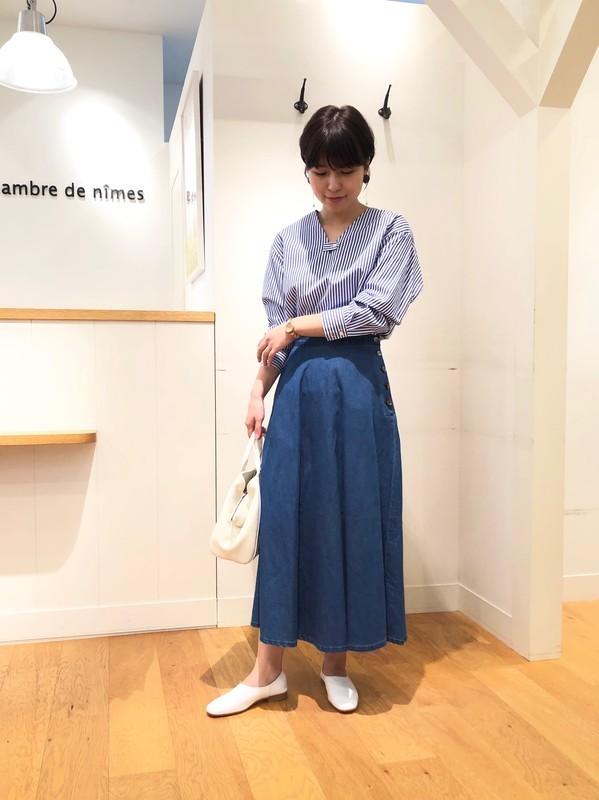 デニムスカートを使ったレディースコーデ | NIMES