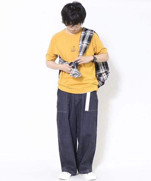 【パープル&イエロー】 コラボTは、アクセントになるカラーをチョイス! チェックシャツで遊び心を♪