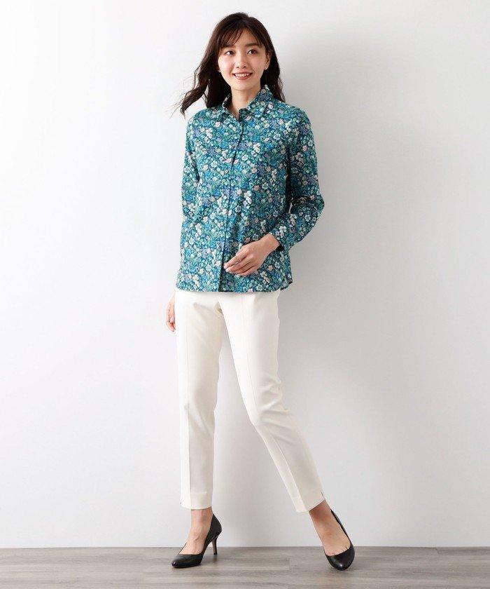 アマカ定番のLIBERTY柄のシャツ。今シーズンは優しい花柄が特徴です。