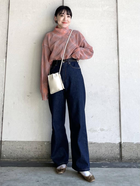 シャツ・ブラウスを使ったレディースコーデ | KBF