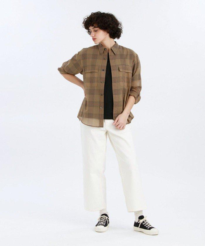 軽やかなシアーファブリックのミリタリーテイストのシャツ。涼しげに透ける素材なので、夏の半袖コーデの羽織にもぴったり。暑い季節の体温調節にも重宝します。