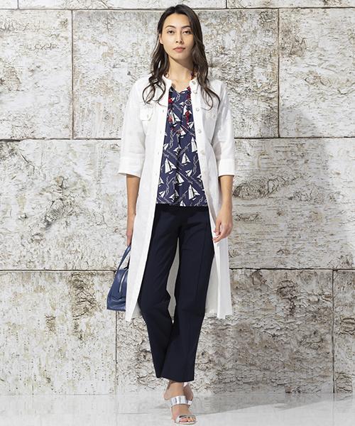 【リリアンビューティ】大きいサイズ 麻100%のシャツワンピースはフランス サフィラン社の糸を使用。着心地の良さにこだわり、洗い加工を施してあります。インナーにはにマリンプリントのtシャツをコーディネート。 モデル身長:175cm