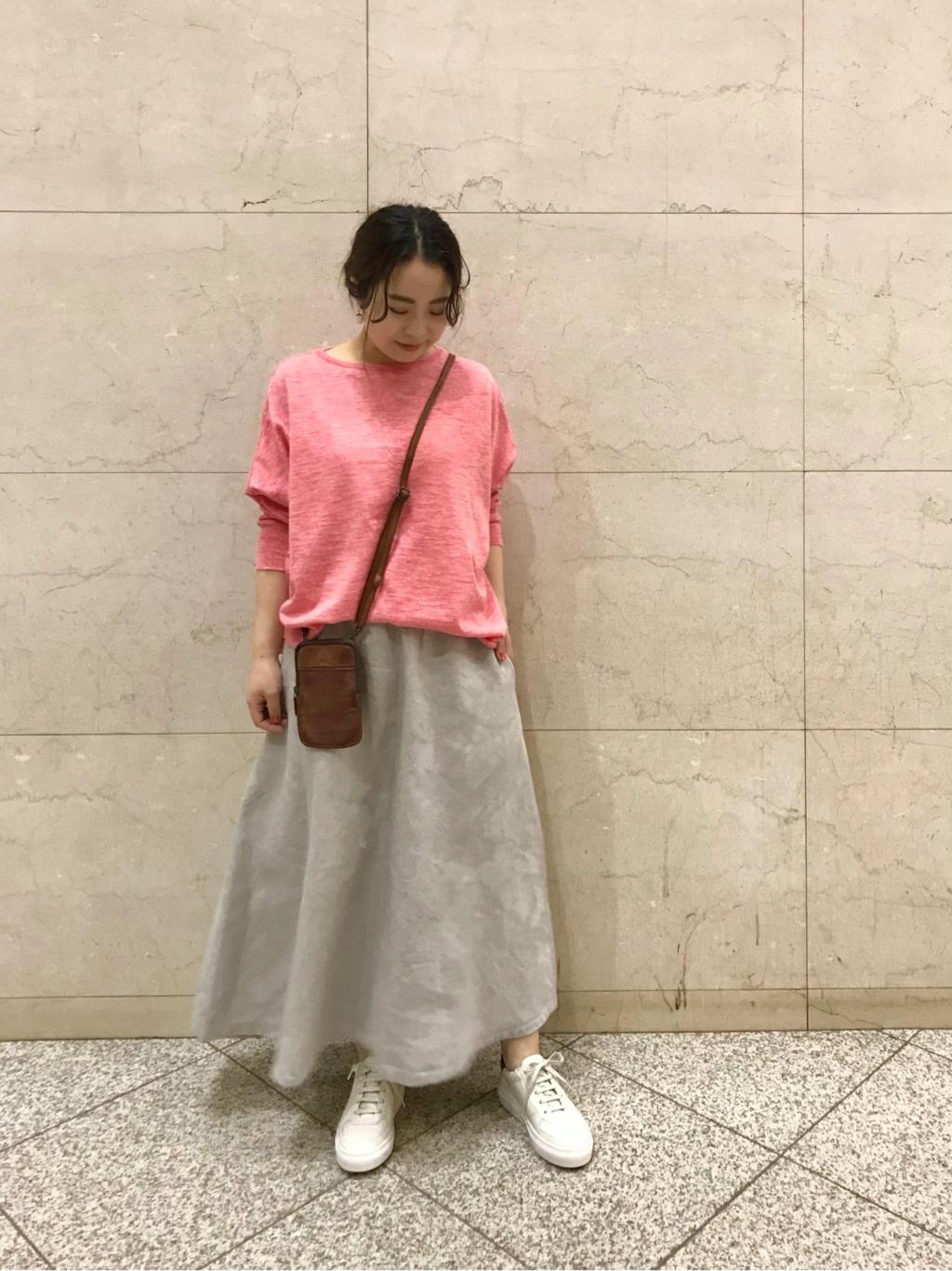ロング・マキシ丈スカートを使ったレディースコーデ   BEARDSLEY