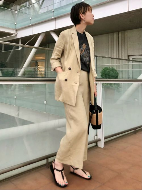テーラードジャケットを使ったレディースコーデ | INED