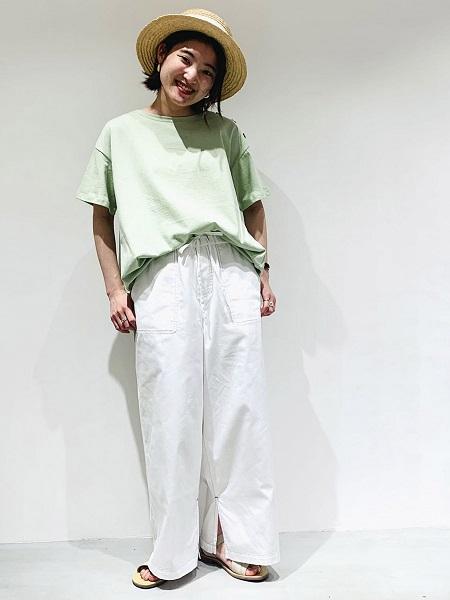【ONIGIRI】新鮮なミントカラーと、ボトムの綿らしいナチュラルな色が スタイリングに清涼感をプラス。 この夏のおすすめカラーです。