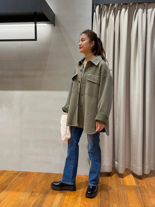 オススメのコートを使ってコーディネート!  チェック柄のCPOコート!珍しくて可愛いです^^シンプルコーデに羽織ってみました◎