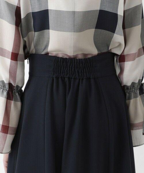 BLUE LABEL / BLACK LABEL CRESTBRIDGE / ブルーレーベル / ブラックレーベル・クレストブリッジ  ミニ・ひざ丈スカート | ソフトドライギャバ フレアスカート | 詳細5