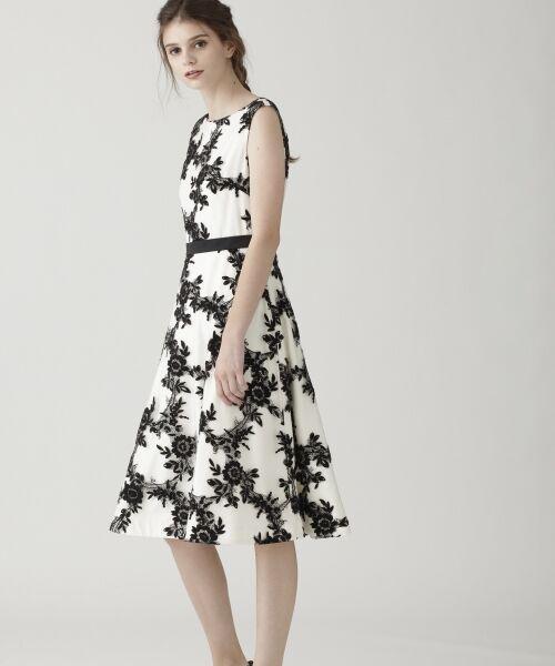 GRACE CONTINENTAL / グレースコンチネンタル ドレス | レースフラワー刺繍ワンピース | 詳細2