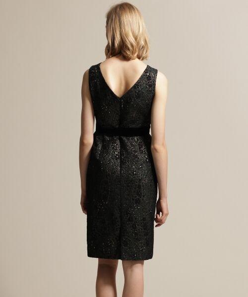 https://image.t-fashion.jp/gracecontinental/images/goods/1908-19335073/z-1908-19335073_02-4.jpg