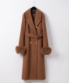 上質素材で大人な雰囲気に仕上げた上品ロングコート。<br />オリジナルでお作りした薄手のショートビーバーのウール地を使用し、袖先にはふわふわのフォックスファーをあしらった贅沢仕様。<br />糸から選び、目付もオリジナルでロングコートにしても重すぎない、上質で程よい毛足のある生地を採用した拘り素材が最大の特徴。<br />オリジナルのミリタリー釦をトッピングしてアクセントをつけました。<br />ややきっちとした雰囲気がありながらもきやすく、前を開けてラフにベルトを結んできても◎<br />大きめの衿にダブル仕立てのエレガントなルックスも特徴的。<br />裏地付&体をしっかりと覆うロング丈で暖かさも両立させたスペシャルコートです。<br /><br />同シリーズでお作りしたテーラーガウンジャケット【品番:39401244】のご用意もございます。