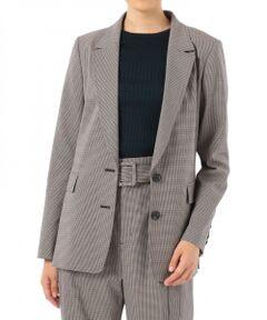 きちんと感が必要なシーンにも溶け込む上品ジャケットが登場。<br />肌触りの良いソフトな風合いのストレッチ素材によって、心地よい着心地を堪能できる一着です。<br />すっきりとした無駄のない美しいシルエットで着合わせやすく、ロングランで愛用できるのも魅力。<br />大人の女性好みのシンプルな佇まいで、オンオフ問わずあらゆるシーンに頼れる優秀アイテムです。<br /><br />セットアップでご着用いただけるワイドハイウエストパンツ【品番:19411194】のご用意もございます。